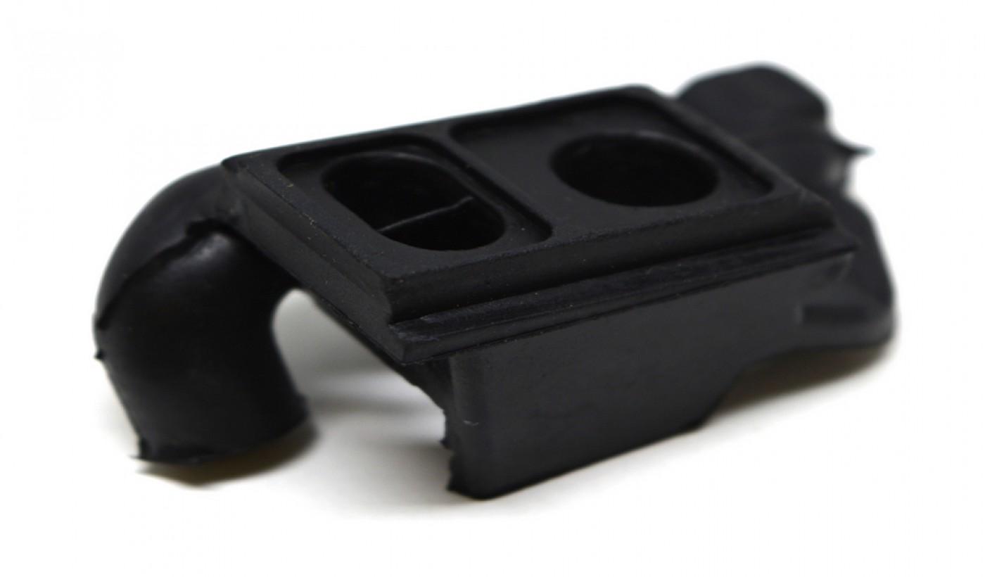 Kryt karburátora Stihl MS380 038
